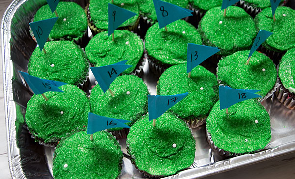 Make these adorable 18-hole golf cupcakes for Father's Day! Really easy dessert recipe using common stuff you can buy at the grocery store. No baking skills required! Great to surprise the golf aficionado in your life. Child-friendly recipe, too, great to get children cooking and baking, all while make cute food that makes them excited to bake. Explore the web site for more cooking and recipe tutorials with good, clear photos and instructions. FORE!! http://letgoofbeingperfect.com/