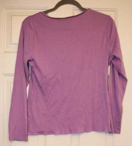 Make a fabulous fabric bow back t-shirt refashion from a plain purple shirt. Step-by-step diy, sewing tutorial. #upcycle #refashionista #crafting #crafts