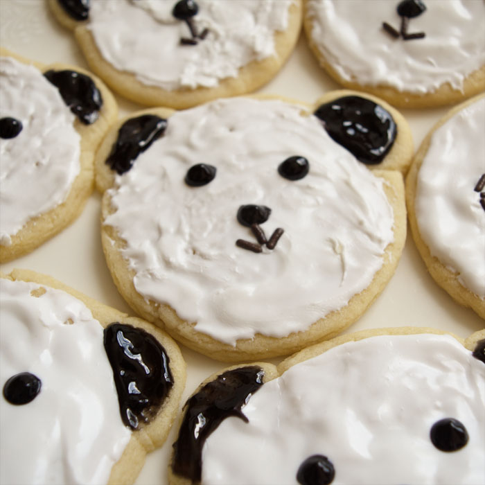 Make these adorable panda sugar cookies! Really easy dessert recipe using common stuff you can buy at the grocery store. No baking skills required! Great for a kid's party, any school event, or a bake-sale. Child-friendly recipe, too, great to get children cooking and baking, all while make cute food that makes them excited to bake. Explore the web site for more cooking and recipe tutorials with good, clear photos and instructions. It's pandamonium over here at http://letgoofbeingperfect.com/